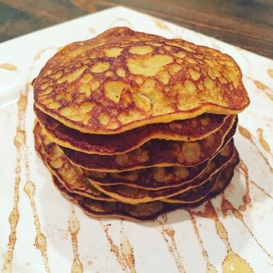 banana-pumpkin-pancakes